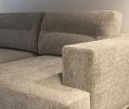 <h5>Détail d'un canapé sur mesure</h5><p>Détail d'un canapé sur mesure pour un projet complet d'une maison en Provence.</p>